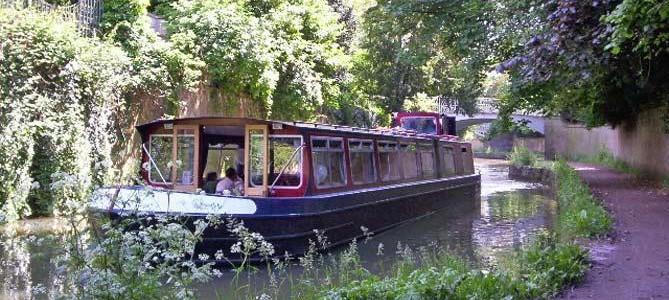 Magic on The John Rennie Restaurant Boat